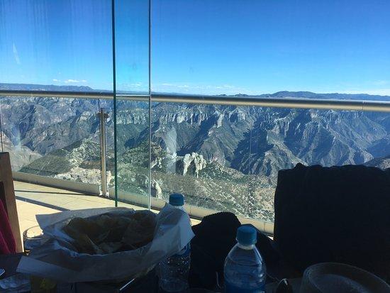 Teleferico Barrancas: restaurante del parque