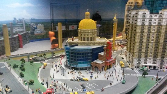 Atlanta Falcons Stadium Lego - Picture of LEGOLAND Discovery Center ...