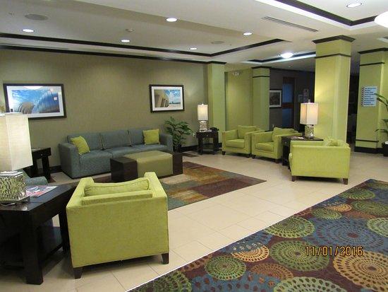 Saint Joseph, MO: Lobby