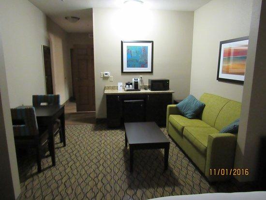 Saint Joseph, MO: Suite