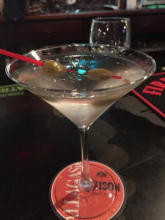 Storrs, Коннектикут: First ever martini