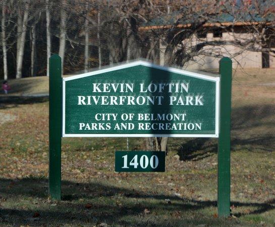 Belmont, Karolina Północna: Park Entrance