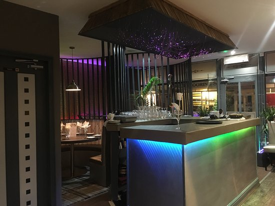 Market Drayton, UK: Pickles Indian restaurant something new in market Dryton your most welcome to bring your alcohol