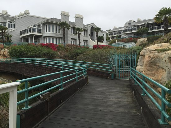 Dana Point, CA: The footing is smooth and easy to navigate.
