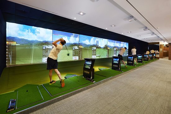 Oakwood Premier Coex Center: Oakwood Premier Health & Fitness Center - Indoor Golf Range