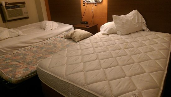 AmericInn Forest Lake : They refused to provid blankets