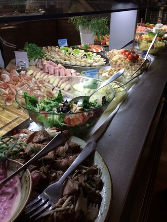 Sistranda, Norway: The cold food buffet