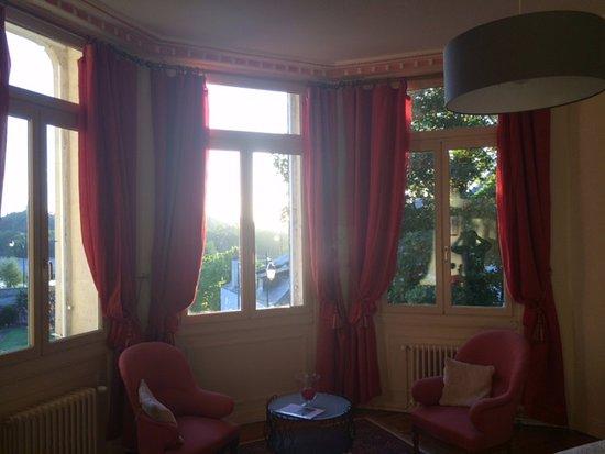 Les Rosiers-sur-Loire, France : Belle chambre vue sur la Loire