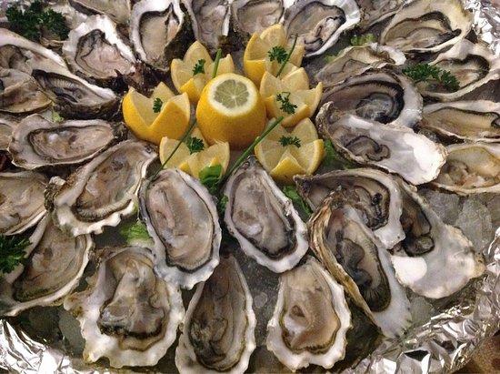 Hesdin, Francia: De très bonnes huîtres et rendez vous le jeudi 15 décembre pour la soirée fruit de mer.