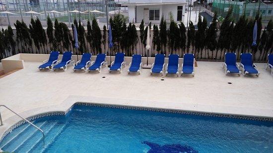 El Faro: Piscina