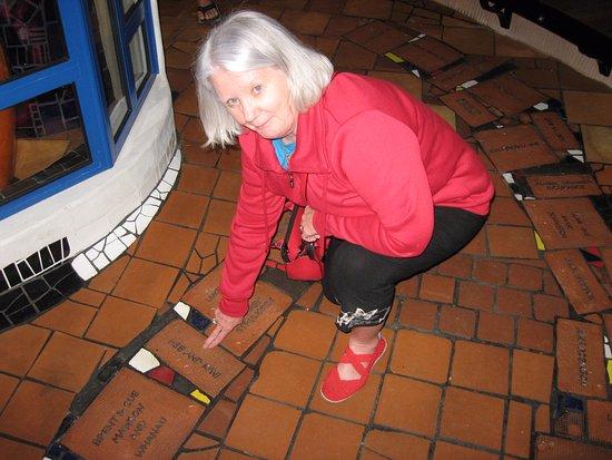 Whangarei, Nueva Zelanda: Me with a named floor tile.