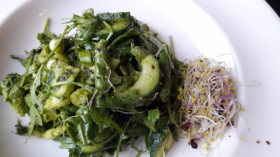 Ramsbottom, UK: Raw Green Salad