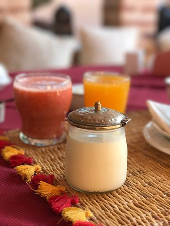 Riad Anabel: Best brekkie in Morocco ~ Homemade yogurt & mixed fruit juice