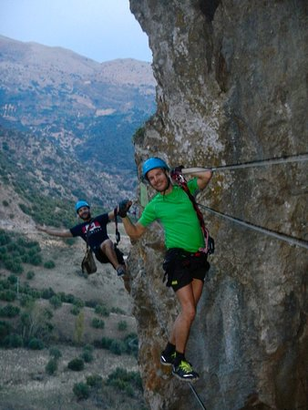 Puerto Jose Banus, Spagna: Peak Active Highland 2016