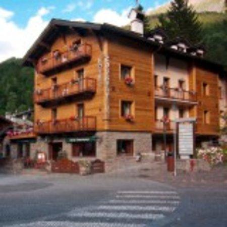 Hotel courmayeur updated 2017 reviews price comparison for Auberge de la maison courmayeur aosta valley italy