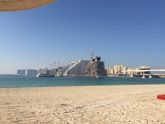 Arabian Court at One&Only Royal Mirage Dubai: view from the beach towards the palm