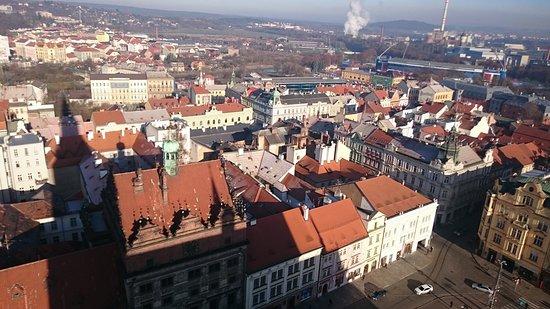 Pilsen, République tchèque : Ратуша с высоты птичьего полета.