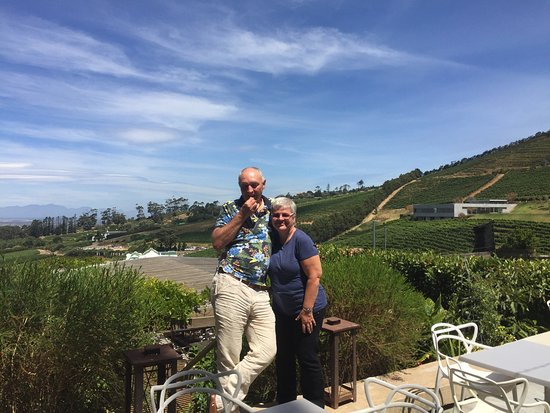 Constantia, South Africa: Wonderful lunch! Taste the tapas for 2 and the wine tasting with cheese! A great experience!