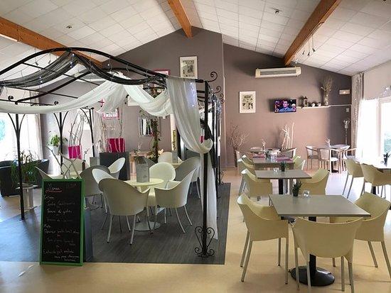 Bellegarde, Франция: salle de restaurant