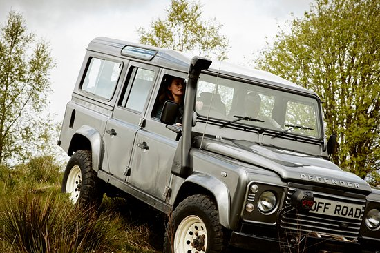 Auchterarder, UK: Fun on our off-road driving track in one of our Land Rovers.