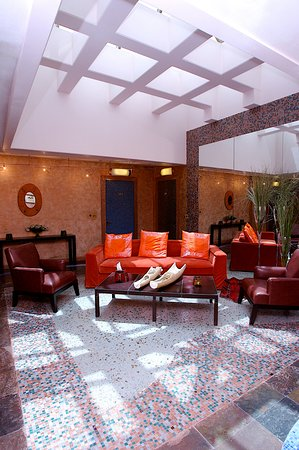 Luthan Hotel & Spa: Guest Lounge 1st Floor