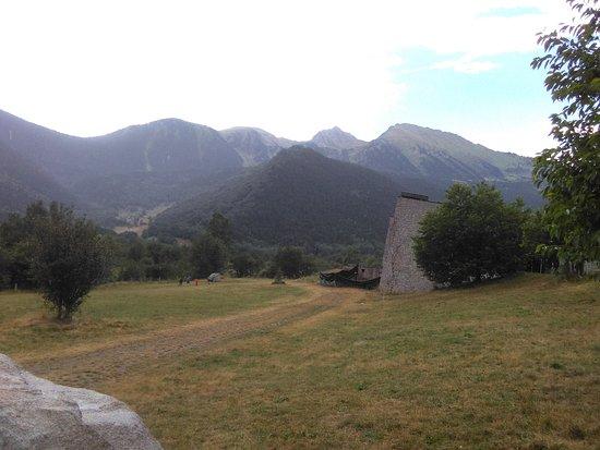 MónNatura Pirineus: Entrada al centro
