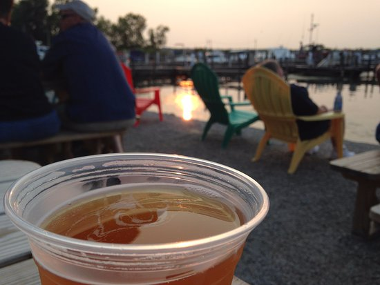 Marblehead, OH: Cold beer and a sunset