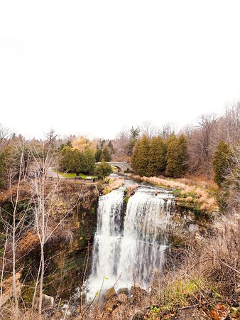 Waterfalls of Hamilton: One of the many fenced points for shooting