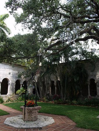 North Miami Beach, FL: Discovering Florida. Монастырь, который пересек океан.