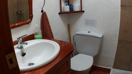 Tiagua, Spanien: Badkamer en toilet
