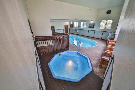 Trailhead Inn: Indoor Hot Tub