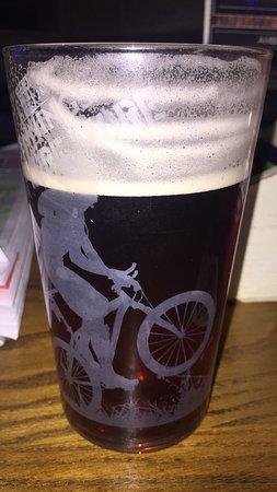Ambleside Tavern: photo0.jpg