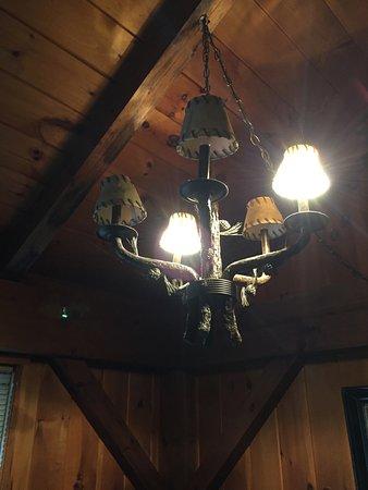 Banner Elk, Kuzey Carolina: light bulbs missing or burned out