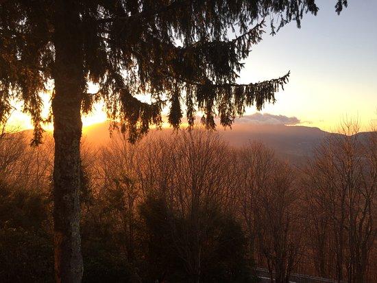 Banner Elk, Kuzey Carolina: view from porch facing sugar/grandfather mountains