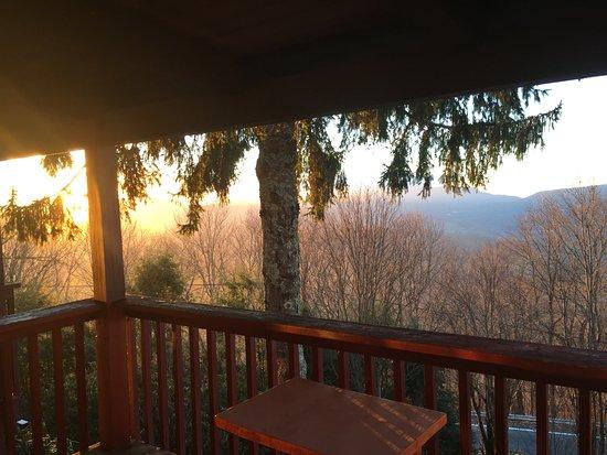 Banner Elk, Carolina del Nord: on the porch facing east