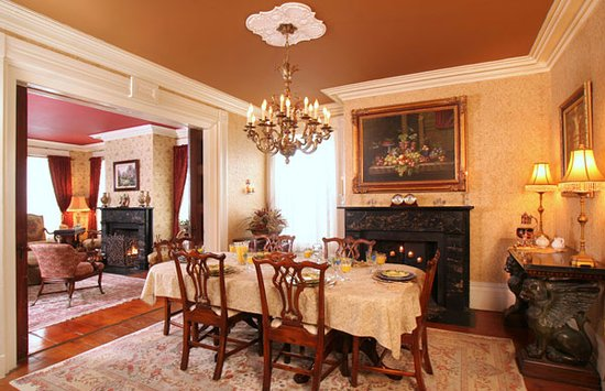 Trumansburg, Estado de Nueva York: our dining room  where guests gather for great breakfasts