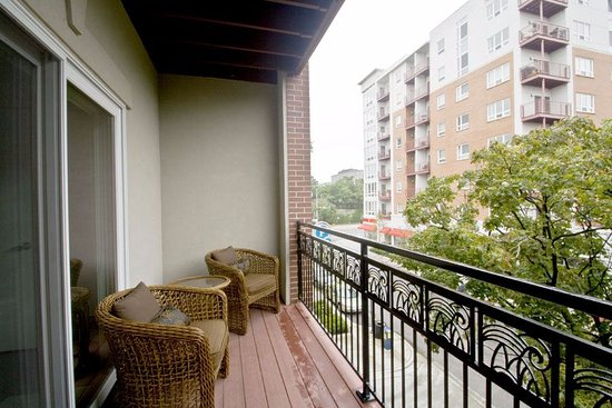 The Flats at Loyola Station: Private balcony overlooking Rogers Park community.