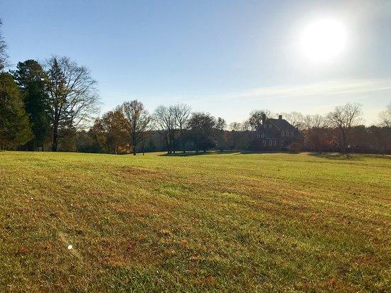 Hillsborough, NC: Goregous grounds