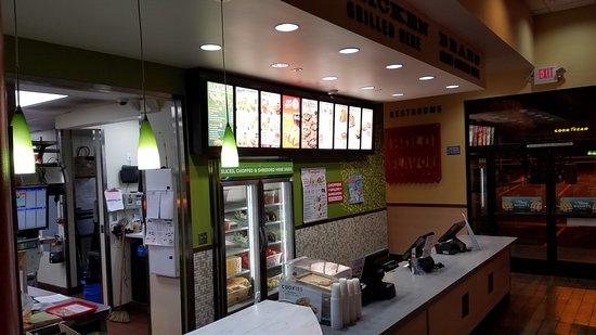 Murrieta, CA: Inside Del Taco