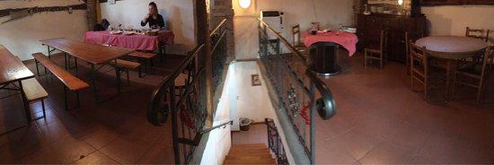 Modigliana, Włochy: Posto carino ma un po' trascurato all'interno, cibo ottimo!