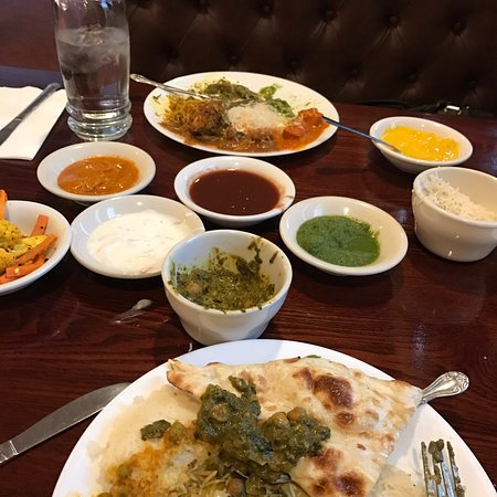 Saint Louis Park, MN: The lunch buffet is amazing. It's a must if you like Indian and are in Minneapolis area.