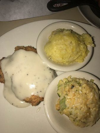 Plainview, TX: Fried mashed potatoes... need I say more? Chicken fried chicken was absolutely delicious!!! This