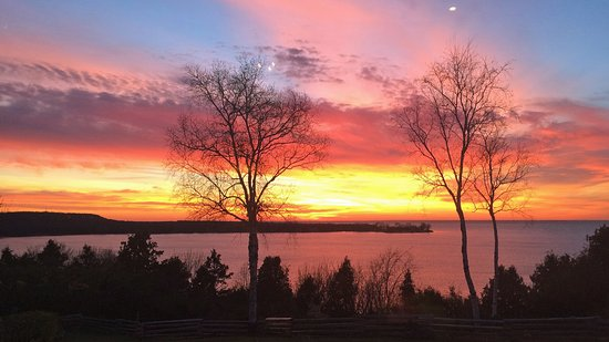 Egg Harbor, WI: The sky puts on an incredible show nightly.