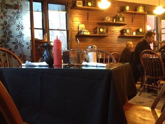 1886 Buffalo Cafe: Comfortable, cozy interior