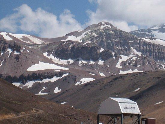 e51fd81d5100 Valle Nevado - Ski Resort Chile  Vue de d autres sommets de la Cordillère