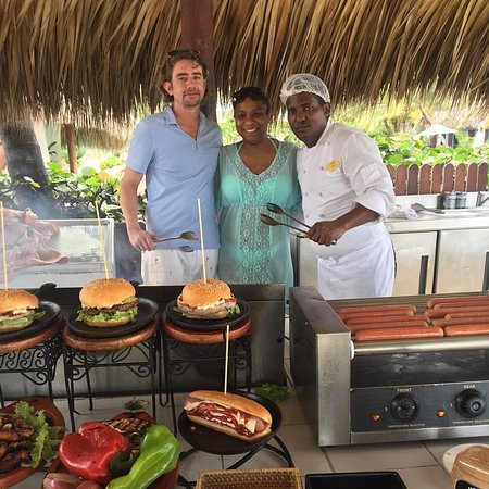 Sanctuary Cap Cana by AlSol: Beach Grill
