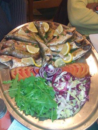 Cogorno, Italia: Pesce fresco spettacolare grigliato!