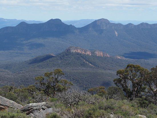 Halls Gap, Australia: This is an example of the views you can admire even before you get to the top.