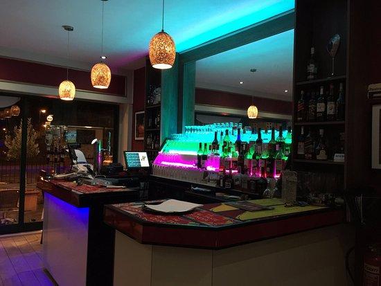 Sheen, UK: Bar Area