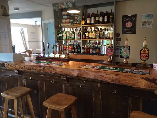 Earls Colne, UK: Inside at the Bar